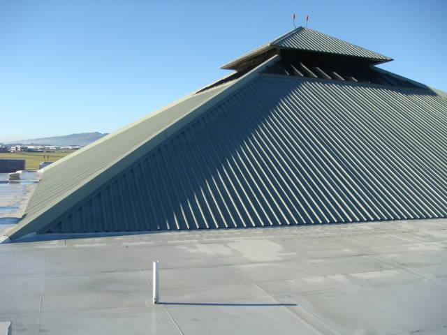 waterproof-roof-paint
